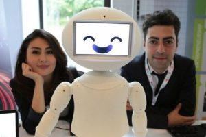 الروبوتات الاجتماعيّة : قابلة للبرمجة من قبل أيٍّ كان !