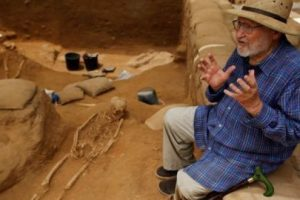 """الكشف عن أول مقبرة لألد أعداء إسرائيل """"الفلستيين"""""""