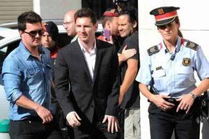 الحكم بالسجن على ليونيل ميسي لمدة 21 شهرا مع دفع غرامات مالية