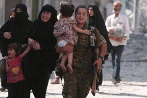 قوات سوريا الديمقراطية تحرر منبج السورية من قبضة داعش
