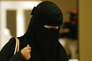 #هل_تتزوج_وحده_تكشف_وجهها : وسم يصل إلى الترند في السعودية .. تعرف على ردود الأفعال وتعليقات المغردين