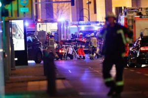 أخبار هجوم برلين : 12 قتيلاوجرحى بالعشرات بحادثة دهس لسوق في عاصمة ألمانيا .. أخبار ألمانيا الآن عاجل حادثة برلين