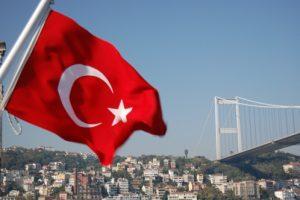 أخبار تركيا اليوم : تمديد حالة الطوارئ للمرة الثالثة بعد المحاولة الإنقلابية الفاشلة وبعد 72 ساعة على الهجوم الدامي في إسطنبول.