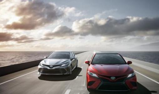 كامري 2018 : سيارة شركة تويوتا الجديدة في النسخةالحديثة .. تعرف على تصميم السيارة الداخلي والخارجي وصورها مع التفاصيل