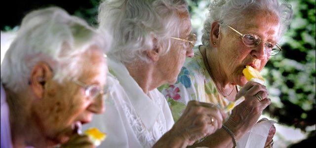 دراسة بريطانية أمريكية : إمكانية وصول معدل عمر الإنسان إلى تسعين سنة في العديد من الدول النامية