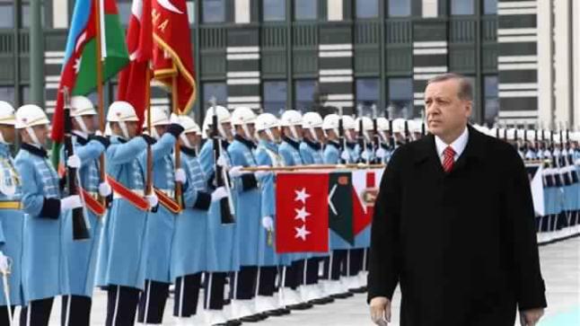 السلطات التركية تحل الحرس الرئاسي بعد إعتقالات واسعة