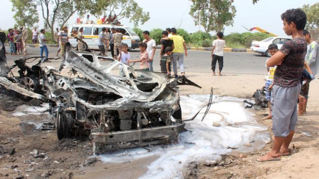 محافظ عدن يتعرض لمحاولة إغتيال فاشلة بسيارة ملغومة