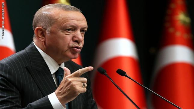"""أردوغان مهدداً الرئيس الفرنسي """"ستواجه مشكلات معي شخصياً"""""""
