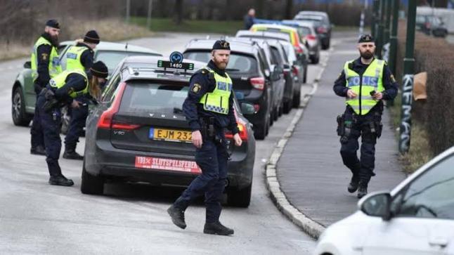 الشرطة السويدية تحقق في واقعة حرق المصحف في ضاحية روزنجورد جنوبي السويد