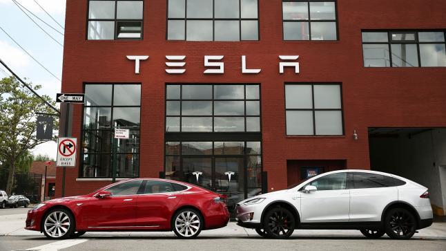 تسلا تسعي للسيطرة على شركة ألمانية لتصنيع السيارات
